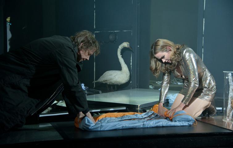 DER MENSCHENFEIND, Komödie von Molière, Inszenierung: Dominik Günther. Célimène: Katja Zinsmeister