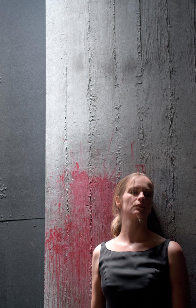 ANTIGONE, Tragödie von Sophokles in einer Inszenierung von Markus Kopf. Antigone: Katja Zinsmeister