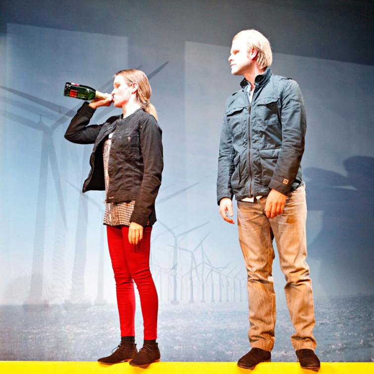 WOHNEN. UNTER GLAS, Stück von Ewald Palmetshofer in einer Inszenierung von Marion Schneider-Bast. Jeanie: Katja Zinsmeister