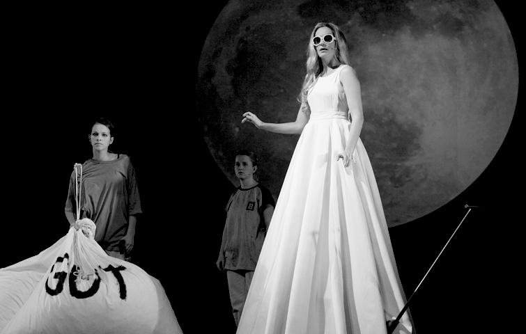 Theater Aachen, Faust 1+2, Katja Zinsmeister, Marie Hacke, Nele Swanton, Foto Manthei