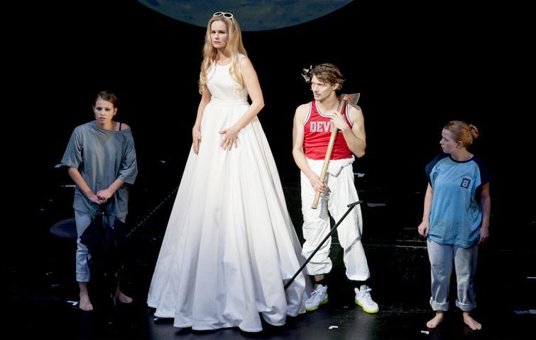 Theater Aachen, Faust 1+2, Helena, Katja Zinsmeister, Marie Hacke, Nele Swanton