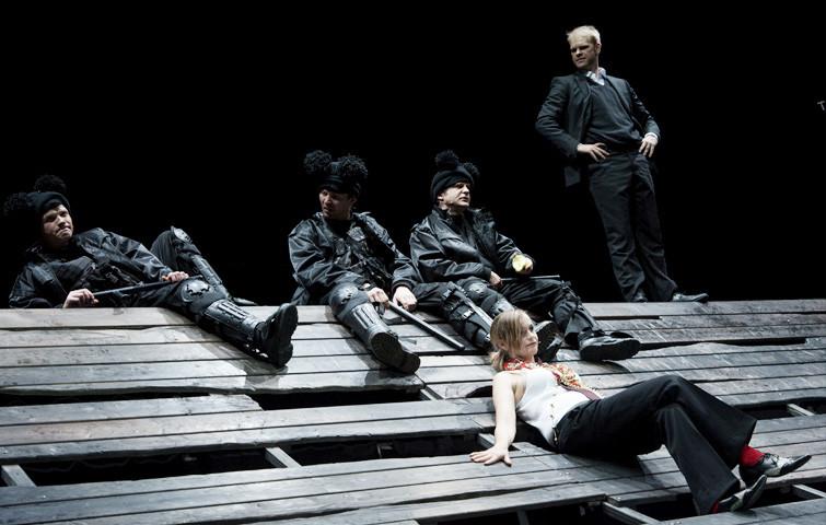 Theater Aachen, Faust 1+2, Katja Zinsmeister, Tim Knapper, Foto: Manthei