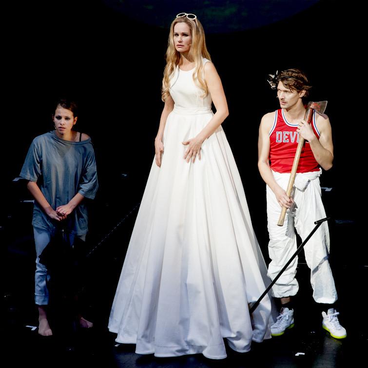 Theater Aachen: Faust 1+2, Goethe, Katja Zinsmeister, Marie Hacke, Markus Weickert, Foto: Manthei