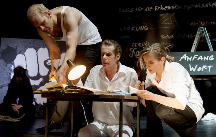 Theater Aachen, Faust 1+2, Katja Zinsmeister, Tim Knapper, Karsten Meyer, Foto: Manthei