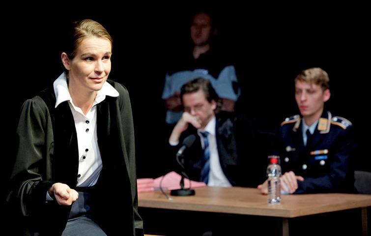 TERROR_Theater Aachen_Katja Zinsmeister