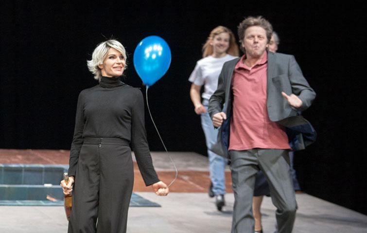 Der Kirschgarten, Theater Aachen, Katja Zinsmeister, Elina Finkel; Thorsten Borm